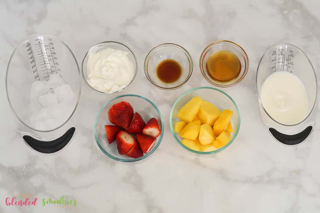 Strawberry Mango Smoothie Bowl Ingredients-08426