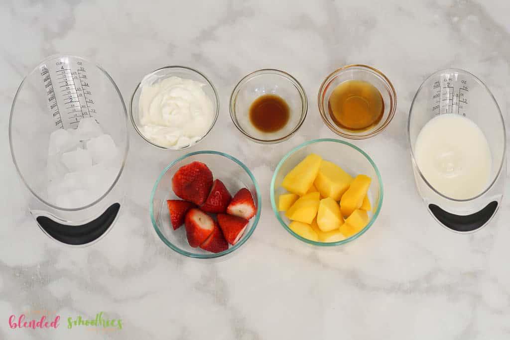 Strawberry Mango Smoothie Bowl Ingredients-08426
