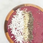 Strawberry Blueberry Smoothie Bowl - perfect breakfast smoothie bowl recipe