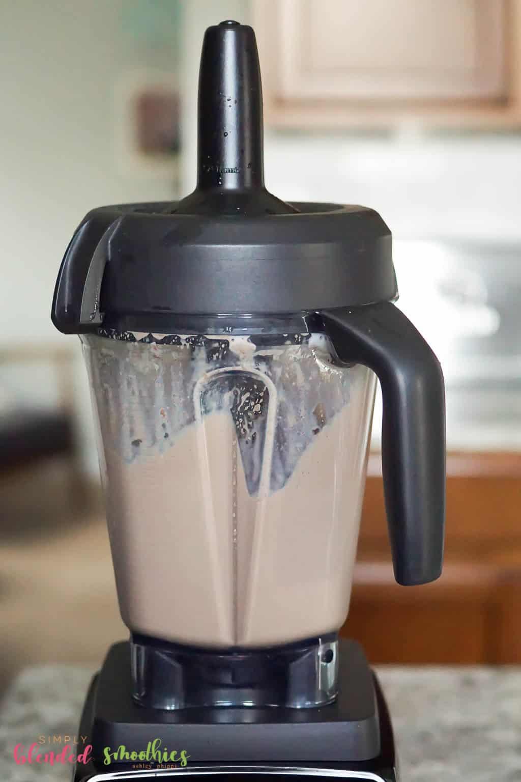 blend chocolate milkshake ingredients in a blender