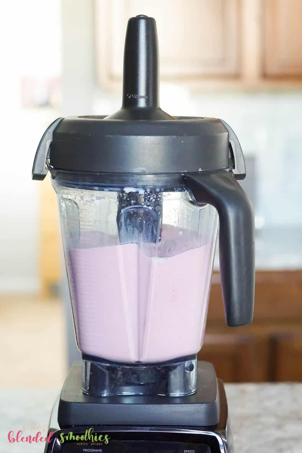 blend ingredients for milkshake